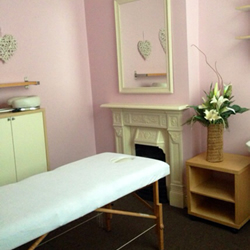 Business room to rent at the hair and beauty centre picture 3.